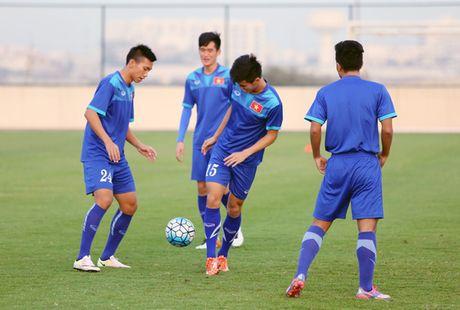 HLV Hoang Anh Tuan chi ra diem yeu cua U19 Nhat Ban - Anh 1