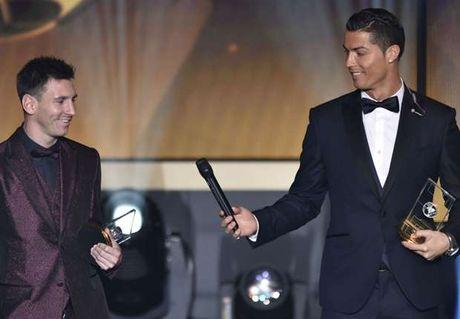 Ronaldo thua nhan: Toi va Messi khong phai ban tot - Anh 1