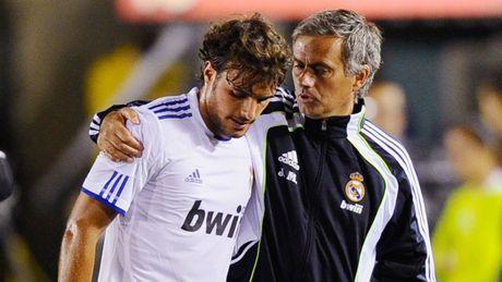 Nhung ngoi sao choi sang tao nhung lui tan duoi tay Mourinho - Anh 4