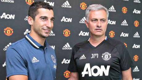 Nhung ngoi sao choi sang tao nhung lui tan duoi tay Mourinho - Anh 8