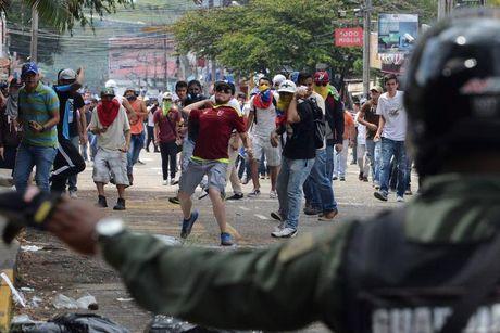 Bao loan o Venezuela qua anh - Anh 10