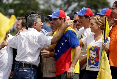 Bao loan o Venezuela qua anh - Anh 12