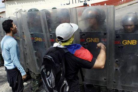 Bao loan o Venezuela qua anh - Anh 8