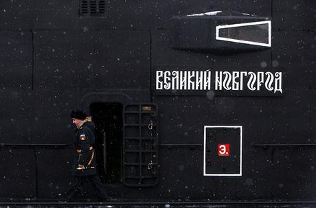 Tau ngam Kilo 636.3 thu 5 gia nhap Hai quan Nga - Anh 3