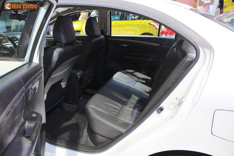 'Chot gia' 580 trieu, Suzuki Ciaz co gi de dau Toyota Vios? - Anh 8