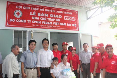 Vedan Viet Nam danh tien ty trao tang 25 nha tinh thuong cho nguoi ngheo - Anh 1
