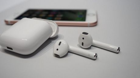 Apple tri hoan viec phat hanh tai nghe AirPods - Anh 1