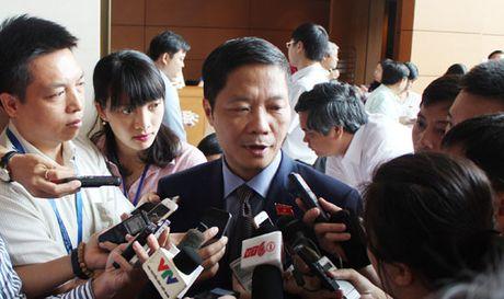 Bo truong Cong thuong Le Tuan Anh: Se som trien khai ket luan cua Trung uong ve vu ong Vu Huy Hoang - Anh 1