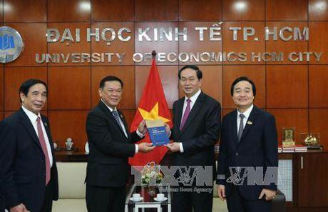 Chu tich nuoc du ky niem 40 nam truong Dai hoc Kinh te TP. HCM - Anh 1