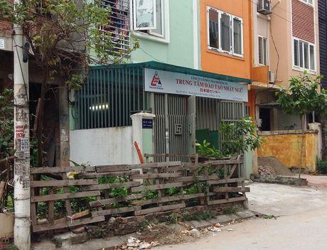 Bat nhao thi truong xuat khau lao dong (2): Tu y tuyen lao dong di Singapore - Anh 4