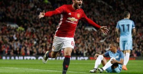 Mata lap cong, MU thang tran derby Manchester - Anh 1