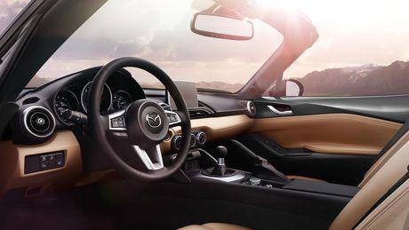 Sieu xe Mazda MX-5 Miata lan dau 'lo dien' - Anh 4