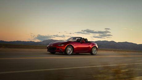 Sieu xe Mazda MX-5 Miata lan dau 'lo dien' - Anh 6