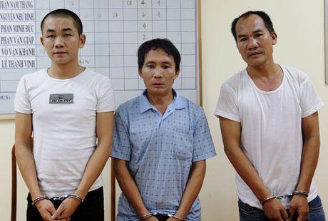 Dua 3 doi tuong tron truy na ve Ha Tinh xu ly - Anh 1
