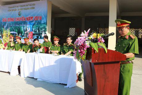 17 doi tham du giai bong chuyen Canh sat PCCC TP Ha Noi - Anh 2