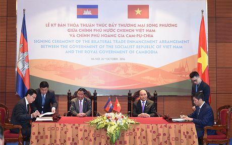 Sat thep Viet Nam duoc huong thue 0% khi xuat sang Campuchia - Anh 1