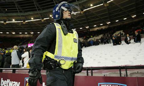 League Cup: Chelsea thua tran, fan au da kinh hoang - Anh 2