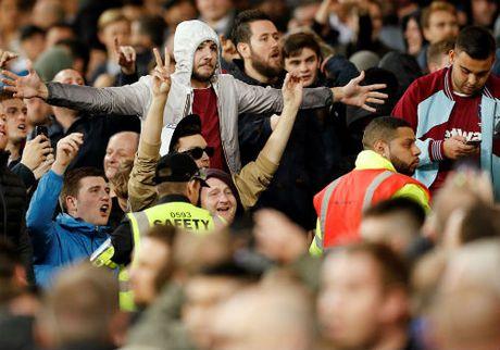 League Cup: Chelsea thua tran, fan au da kinh hoang - Anh 3