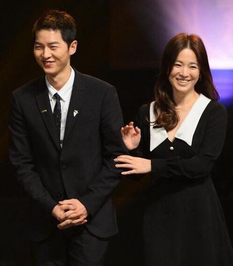 Song Hye Kyo – Song Joong Ki gianh giai thuong lon tai Han Quoc - Anh 4