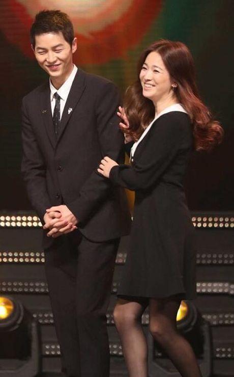 Song Hye Kyo – Song Joong Ki gianh giai thuong lon tai Han Quoc - Anh 5