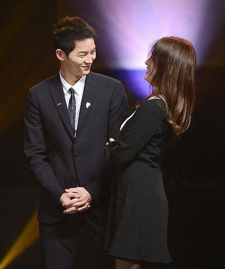 Song Hye Kyo – Song Joong Ki gianh giai thuong lon tai Han Quoc - Anh 6