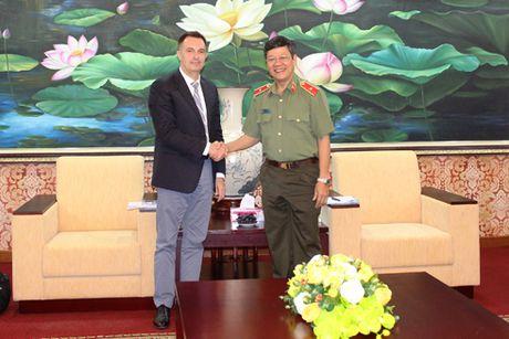 Cong an Ha Noi tiep va lam viec voi Tuy vien Canh sat Phap - Anh 1