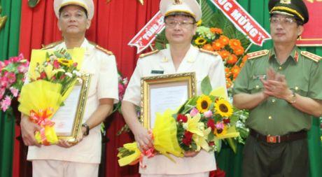 Luan chuyen Giam doc va Pho giam doc Cong an Soc Trang - Anh 1