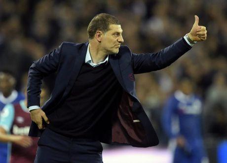 West Ham chien thang Chelsea trong tran cau nhuom mau bao luc - Anh 5