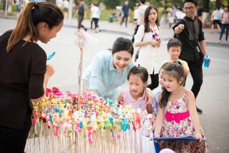 Hoa hau Ngoc Han, A hau Thanh Tu di day ve cho tre em - Anh 10
