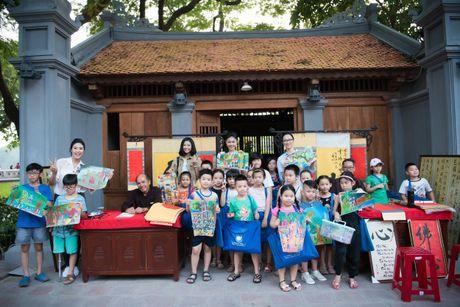 Hoa hau Ngoc Han, A hau Thanh Tu di day ve cho tre em - Anh 15