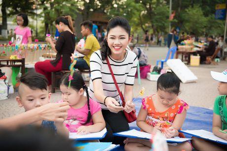 Hoa hau Ngoc Han, A hau Thanh Tu di day ve cho tre em - Anh 7