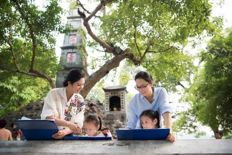 Hoa hau Ngoc Han, A hau Thanh Tu di day ve cho tre em - Anh 8
