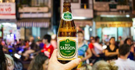 Doanh nghiep 24h: 'Ong lon' nganh bia len san va nhung cau hoi chua loi giai - Anh 1