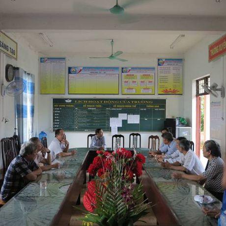 Cat Tuong ung ho 250 trieu dong cho hoc sinh hai truong THCS tai Quang Binh - Anh 5