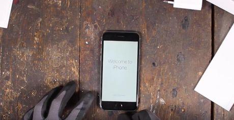 Video Google bo 30 phut tao ra Pixel tu iPhone 7 - Anh 2