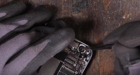 Video Google bo 30 phut tao ra Pixel tu iPhone 7 - Anh 6