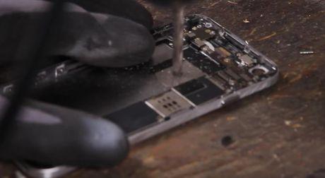 Video Google bo 30 phut tao ra Pixel tu iPhone 7 - Anh 7