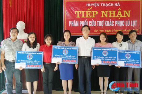 Cong doan Ngan hang Viet Nam ho tro nguoi dan vung lu 1,7 ty dong - Anh 5