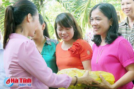 Cong doan Ngan hang Viet Nam ho tro nguoi dan vung lu 1,7 ty dong - Anh 7