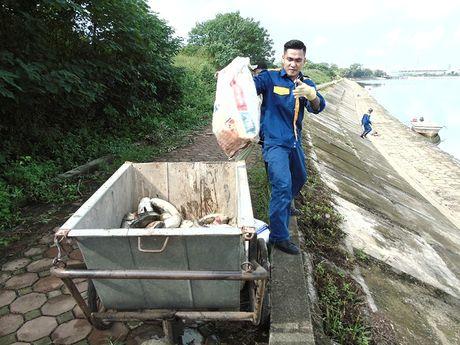 Ha Noi: Ca chet bat thuong tai ho ban dao Linh Dam - Anh 1