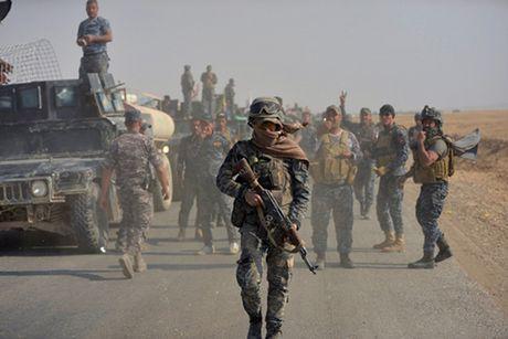 Phien quan IS o Mosul cao rau, gia lam dan thuong - Anh 1