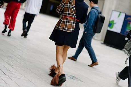 Tai sao Seoul Fashion Week tro thanh 'mien dat hua' cho cac thuong hieu thoi trang moi? - Anh 10