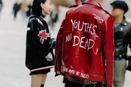 Tai sao Seoul Fashion Week tro thanh 'mien dat hua' cho cac thuong hieu thoi trang moi? - Anh 2