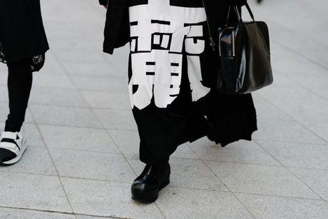Tai sao Seoul Fashion Week tro thanh 'mien dat hua' cho cac thuong hieu thoi trang moi? - Anh 7