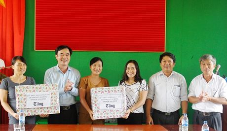 LDLD Quang Binh: Ho tro 130 trieu dong cac truong hoc khac phuc lu lut - Anh 1