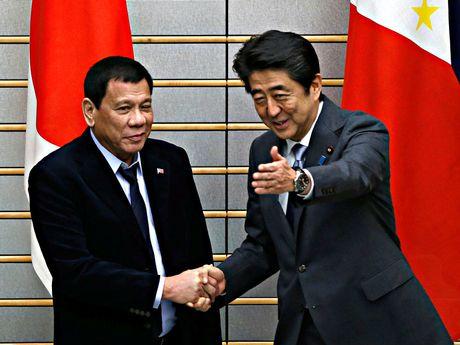 Phat bieu cua ong Duterte ve Bien Dong co anh huong quan he voi Trung Quoc? - Anh 1