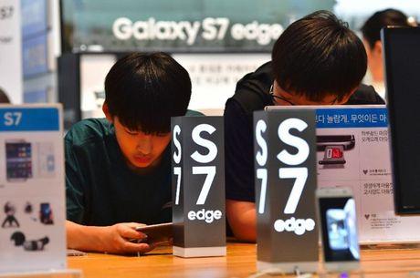 Du thu hoi Galaxy Note 7, Samsung van la nha san xuat smartphone lon nhat - Anh 1