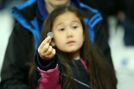 CDV Chelsea va West Ham au da ngay tren san - Anh 14
