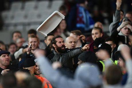 CDV Chelsea va West Ham au da ngay tren san - Anh 3