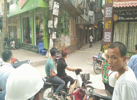 Hien truong vu no sung ban chet le tan nha nghi - Anh 4